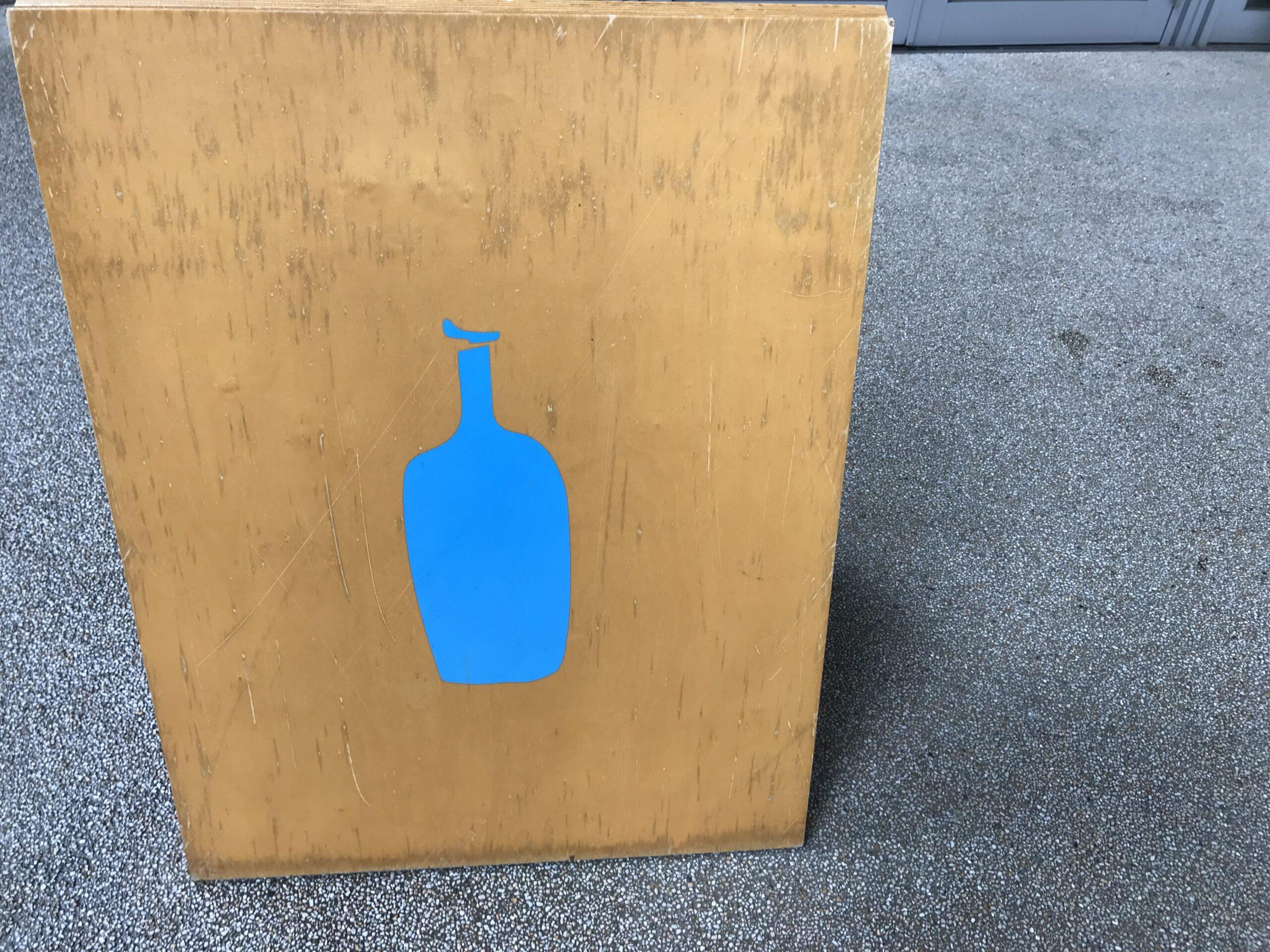 ブルーボトルコーヒー 看板